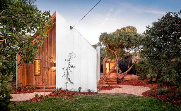 Contemporary Exterior by Auhaus Architecture