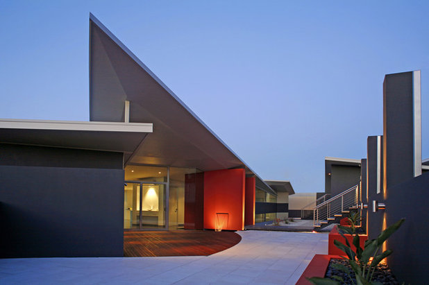 Contemporary Exterior by Clever Design