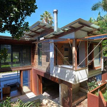 Beach & Forest House - Wategos