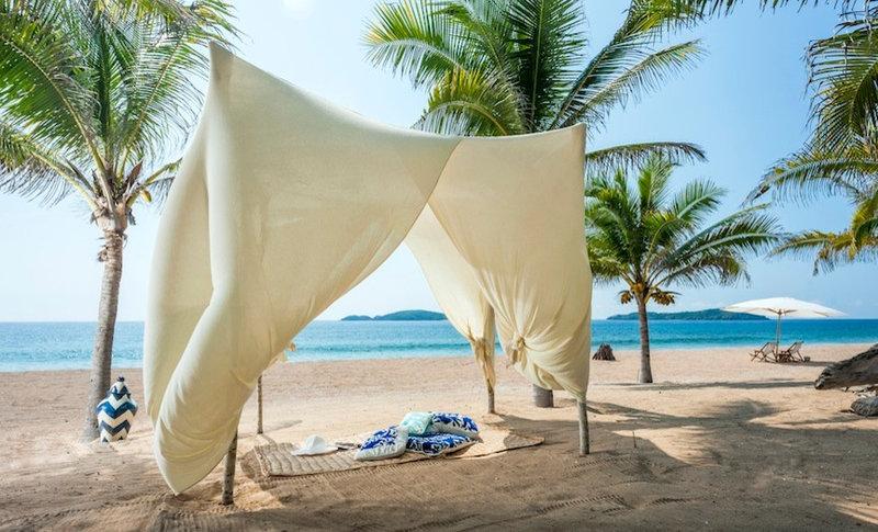 Beach Style Exterior by Katherine Nidermaier Designs