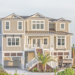 Beach style exterior home photo in Wilmington