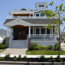 Beach Style Exterior by M4L,Inc