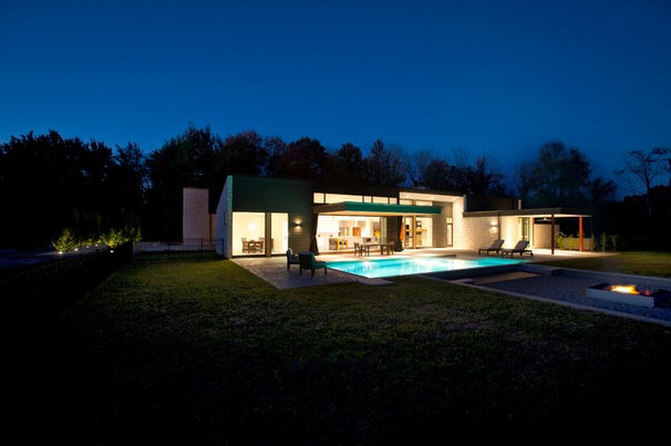 Modern Exterior by Drawing Dept