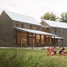 Houzz Tour: Family Reimagines the New England Farmhouse