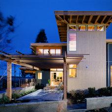 Modern Exterior by Ben Trogdon Architects