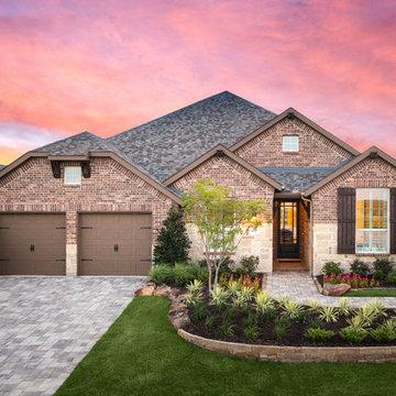 Berkshire // Fort Worth, TX // Highland Homes // Plan 204