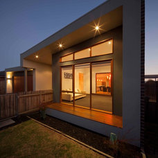 Contemporary Exterior by Bespoke Architects Pty Ltd