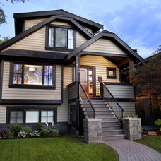 craftsman exterior by Best Builders ltd