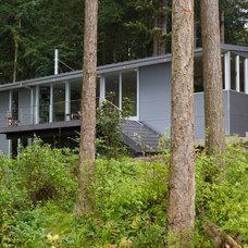 Contemporary Exterior by Studio Sarah Willmer