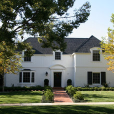 Traditional Exterior by ecocentrix landscape architecture