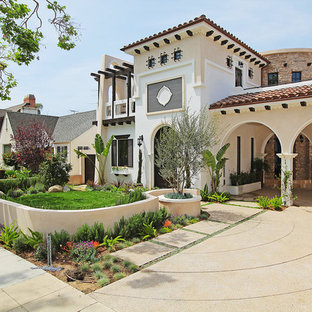Tuscan exterior home photo in Los Angeles
