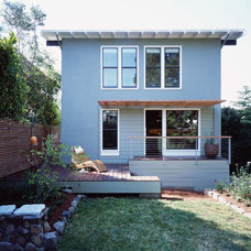 Traditional Exterior by Studio Sarah Willmer