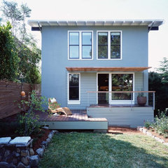 modern exterior by Studio Sarah Willmer