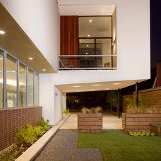 Modern Exterior by Collaborative Designworks