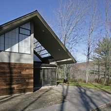 Modern Exterior by Lynn Gaffney Architect, PLLC