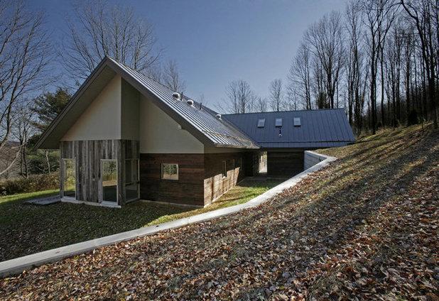 Modern Exterior by Lynn Gaffney Architect, PLLC