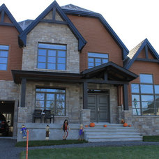 Traditional Exterior by Gazebo Laurentides