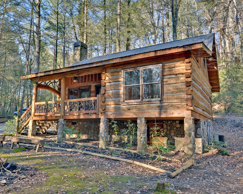 Small cabin houzz for Rustic log homes