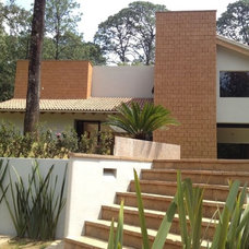 Contemporary Exterior by Bosque Verde LLC