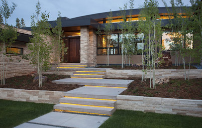 How to Choose the Right Lighting for Your Outdoor Paths and Steps