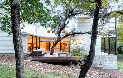 Houzz Tour: Problem Solving on a Sloped Lot in Austin
