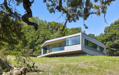 Houzz Tour: Architectural Box on a Rock Dazzles in Sonoma
