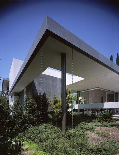 Modern Exterior by Ehrlich Yanai Rhee Chaney Architects
