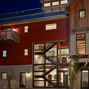Diseño de fachada de estilo de casa de campo de tres plantas