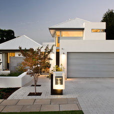 Modern Exterior by Cambuild
