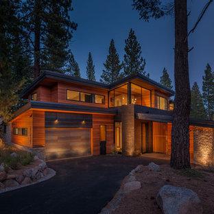 サンフランシスコのコンテンポラリースタイルのおしゃれな家の外観 (木材サイディング) の写真