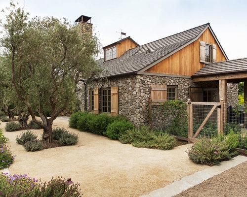 Foto e idee per facciate di case facciata di una casa in for Piani di costruzione di cottage gratuiti