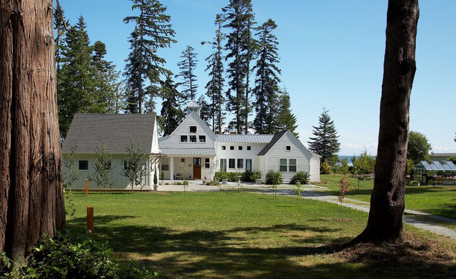 Transitional Exterior by Dan Nelson, Designs Northwest Architects