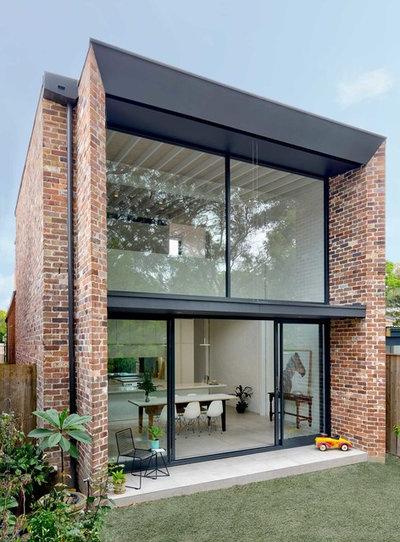 Contemporary Exterior by Kreis Grennan Architecture