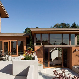 Modern two-story exterior home idea in San Francisco