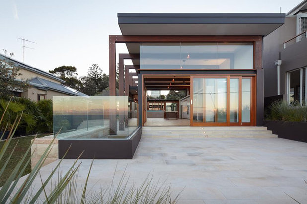 Modern Exterior by team-b architecture and design
