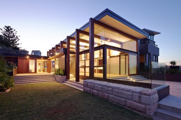Modern Exterior by Mardini Constructions