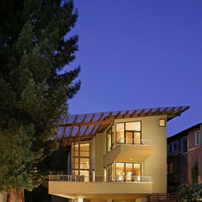 Contemporary Exterior by Robert Nebolon Architects