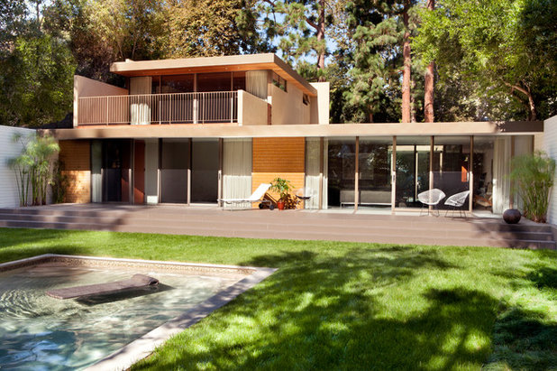 Houzz tour modern updates for a midcentury home in los for Mid century homes los angeles