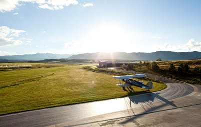 Houzz Tour: A Modern Mountain Home Takes Off With Its Own Airstrip