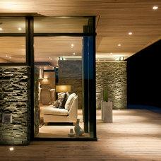 Modern Exterior by Gudmundur Jonsson Arkitektkontor