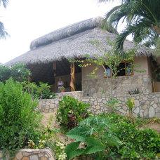 Tropical Exterior by Farrell Design Assoc Inc,