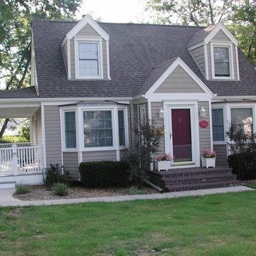 Cape Cod Style Home, Glenview, IL in Vinyl Siding
