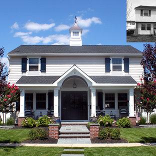 Foto de fachada blanca marinera