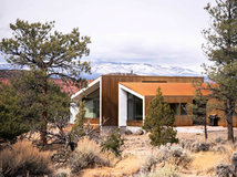 Architecture grand espace petit budget dans une maison hangar - Maison modulaire espagnole ...