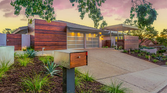 Captivating Mid-Century Exterior