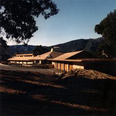 Modern Exterior by Daniel Ruark, Architect