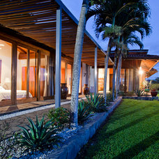 Tropical Exterior by ABC Real Estate Costa Rica