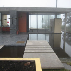 Contemporary Exterior by mgc arquitectura
