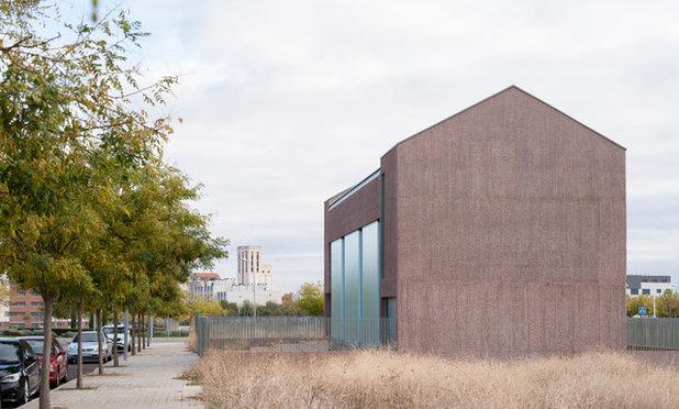コンテンポラリー 家の外観 by Muka Arquitectura