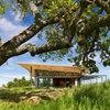 Architecture : Agrandir un toit pour créer un abri ombragé